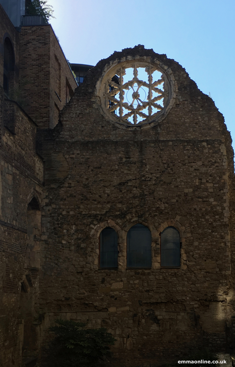 Remaining wall and Rose window of the Winchester Palace